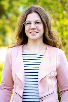 Frau Katrin Vogt